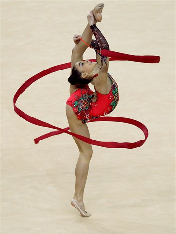 becoming a rhythmic gymnast about